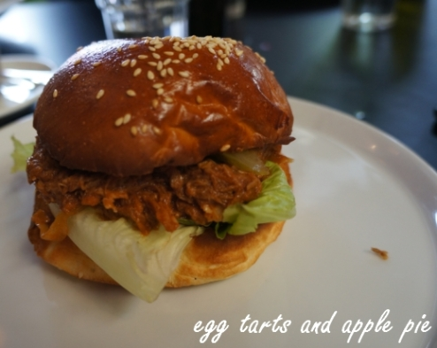 Hobba-pork_sandwich